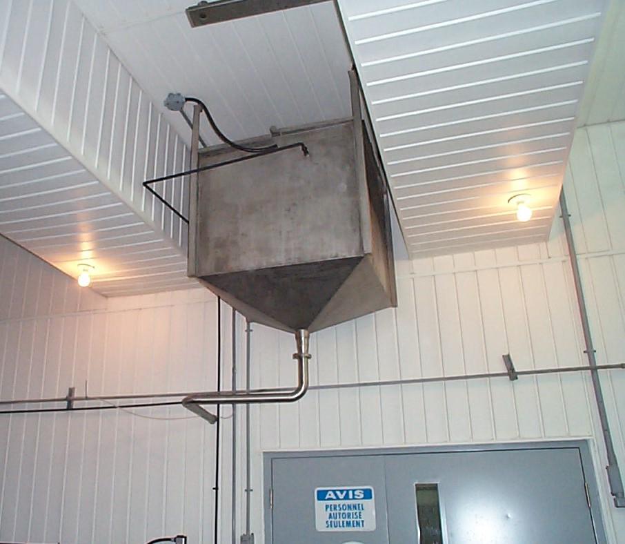 Réservoir carré avec dessus style pyramide 1000 litres