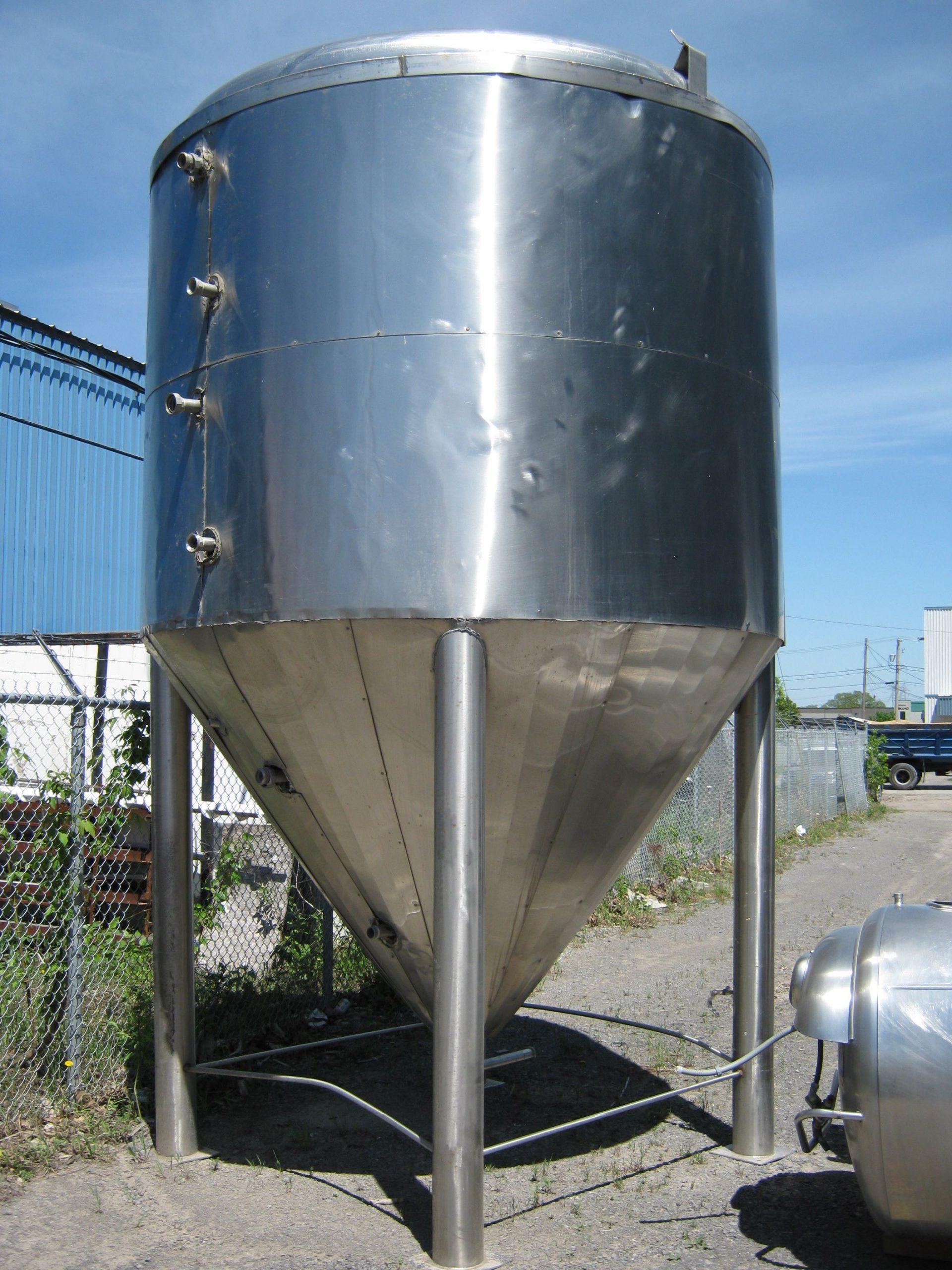 Réservoir style fermenteur fonds conique 10000 litres