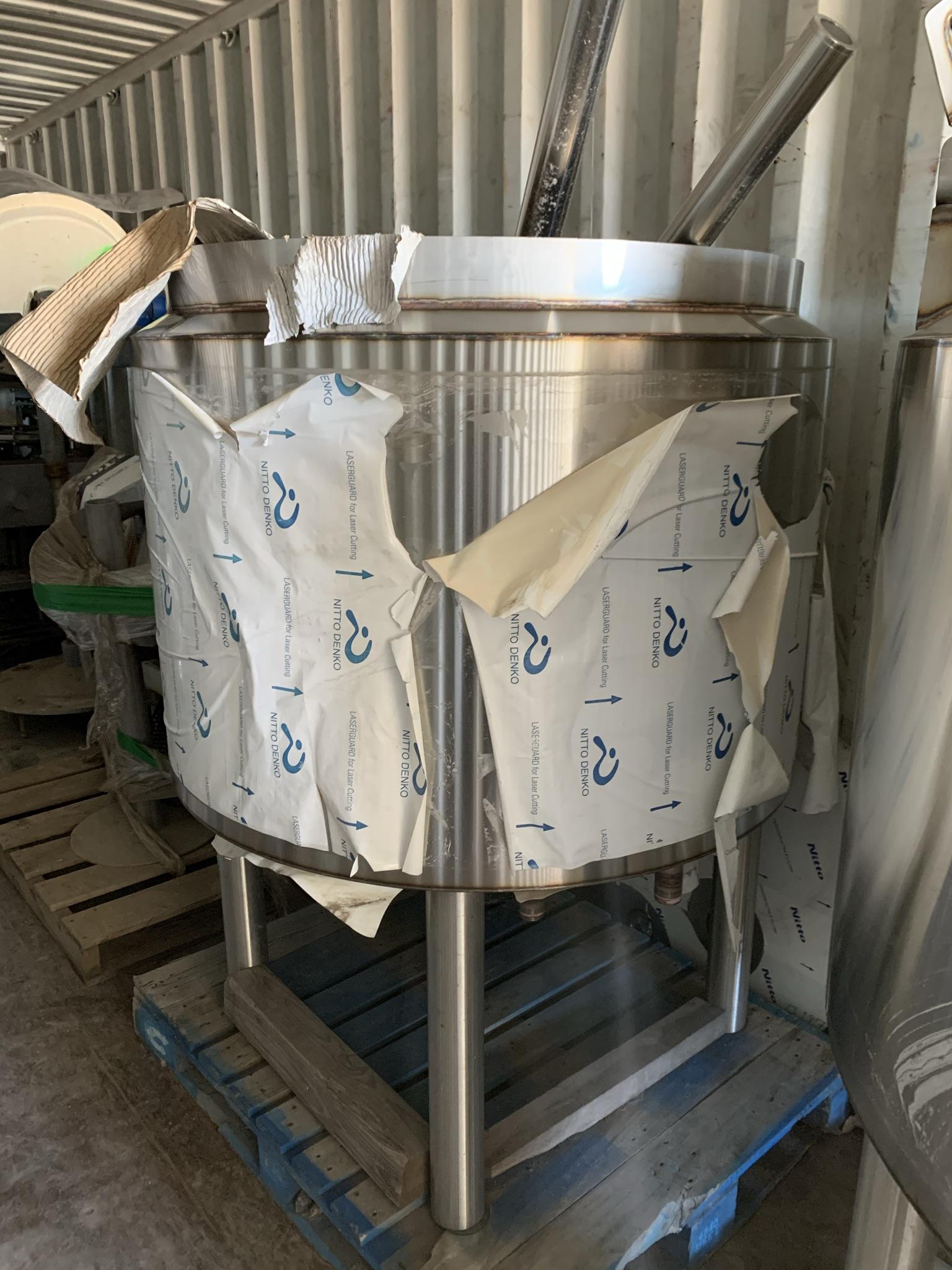 Cuiseurs neufs non terminés 600 litres