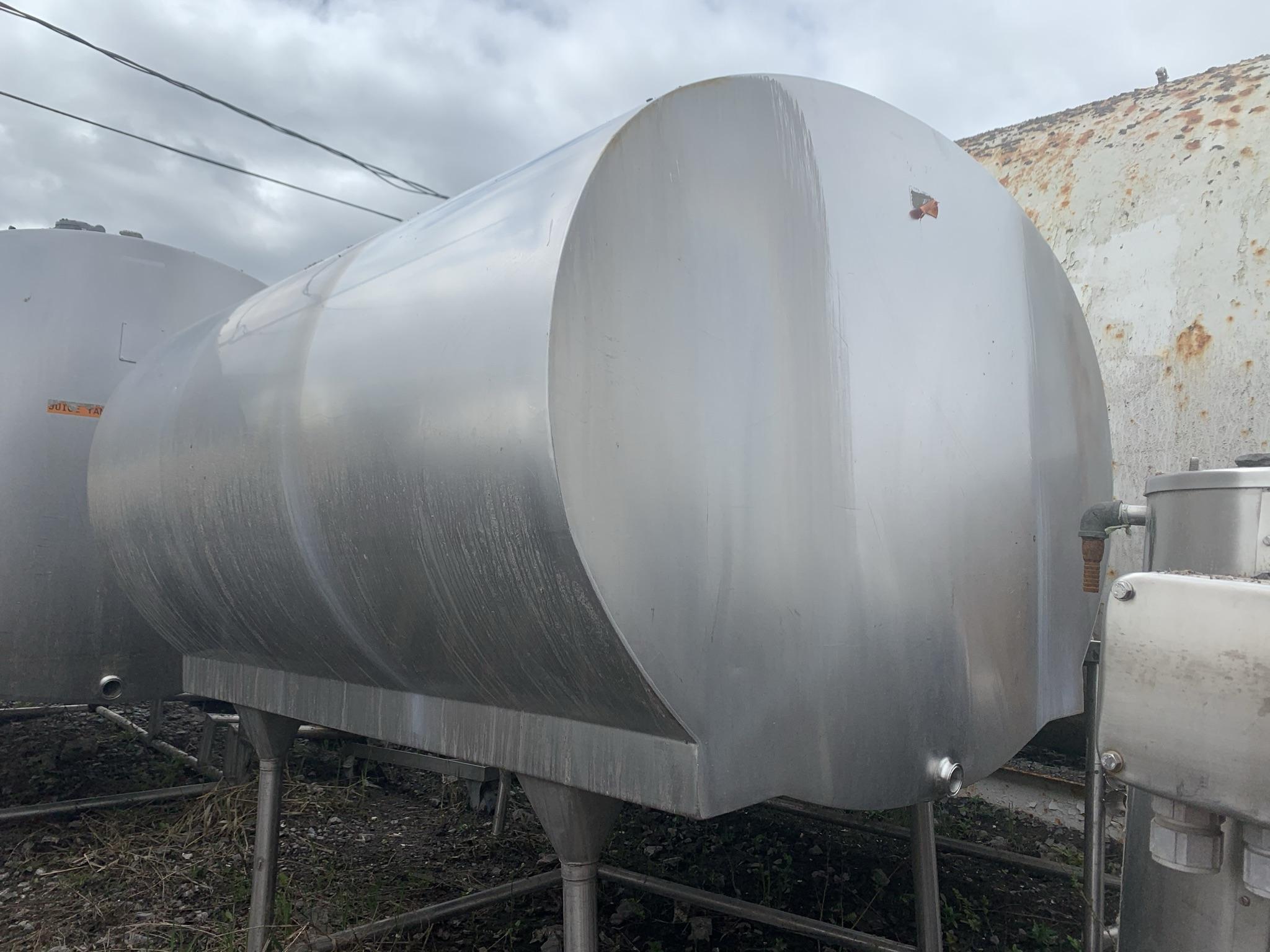 Bulk Tank Mueller 400 gallons (1600 litres)